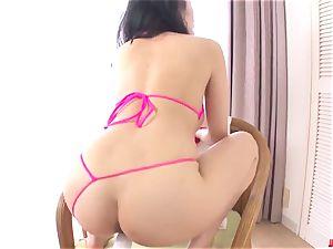 Kyouko Maki amazes with a jaw-dropping toy pornography solo