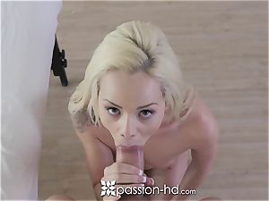 PASSION-HD Elsa Jean rubbed and nailed with cum shot
