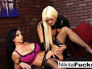Nikita Von James and love button Jade bang