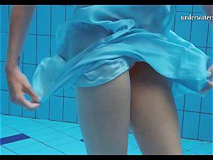 Piyavka Chehova ample elastic tastey milk cans underwater