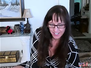 USAwives Mature woman fellatio and fucktoy onanism