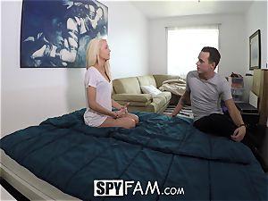 SpyFam Step sister Elsa Jean gets banging tips