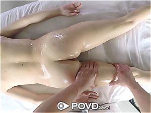 Henley Hart gets her vag stuffed