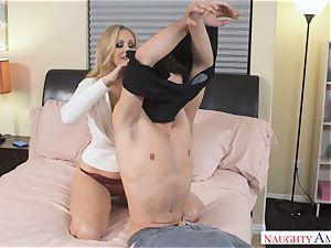milf Julia Ann captures strung up hard-on for a ravage