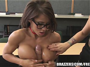 Brazzers - Madison in super-steamy college threeway