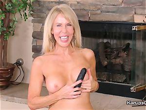 Erica Lauren loves toying fake penis Herself