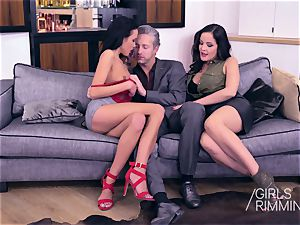 threeway butt licking and jizz shot with jaw-dropping dark-hued lovelies