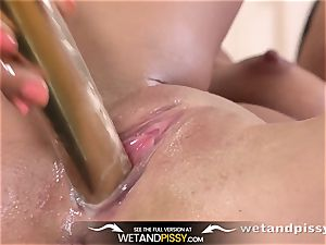 Wetandpissy - Spanish bombshell coated in pee