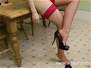 Sophia Delane looks steamy in her undergarments