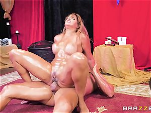 Oily butt tucked Mercedes Carrera