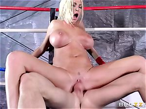 Summer Brielle gets pummelled in the ring