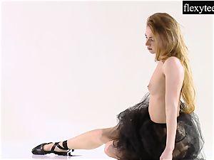 stellar girl shows her extraordinaire gymnastic talents