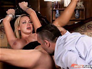 kinky Nikki Benz swallows down a humungous manstick