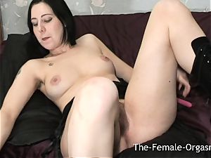 fur covered stunner with huge raw pussy Lips Bates