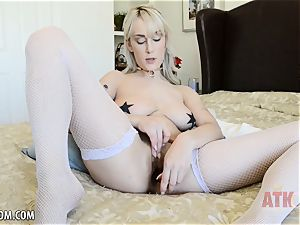 Maxim Law opens up her pussy broad