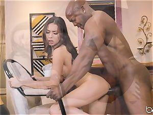 Mellissa Moore gets Nat Turner to handle her bush
