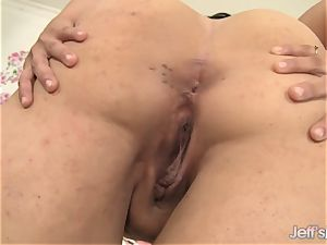 thick Savannah star jerks with fucktoys