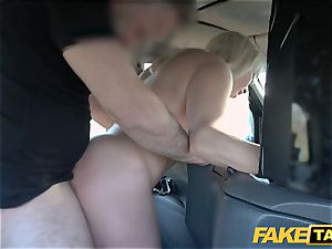 faux cab ash-blonde mummy Victoria Summers banged in a taxi