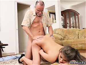 nubile stunner rectal gape and inexperienced lovers Chillin with a super-steamy Tamale!