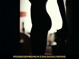 A lady KNOWS - slim Gina Gerson sensual lesbo bang-out