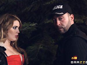 steamy hooker Hanna Montada deepthroats and penetrates a messy cop