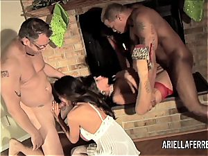 Holiday romp with Ariella Ferrera and Joslyn James
