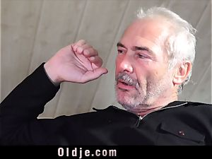 Russian chick inhale The hard-on of an older grandpa