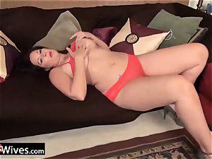 USAWiveS curvaceous plus-size Mature Dylan Jenn masturbating