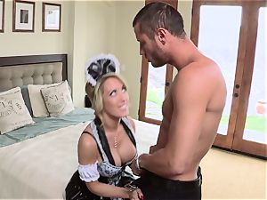 hot maid Capri Cavanni gives her manager some extras