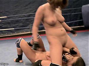 Rihanna Samuel fellates super-fucking-hot hoes cable on