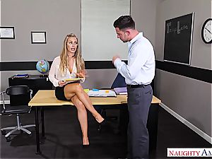 The best educator Nicole Aniston wants pecker for her blessing