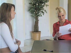Apen Ora entices prospective employer Anikka Albrite