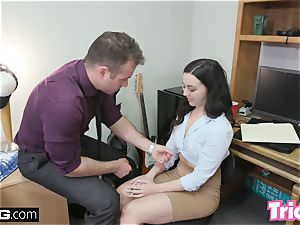 Trickery Whitney Wright fucks a giant cock for a job