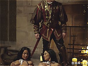 Alluring Anissa Kate and Jasmine Jae serve the king's will and spear